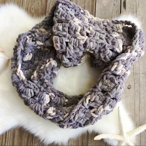 Accessories - HANDMADE Chunky Infinity Scarf Ivory & Gray